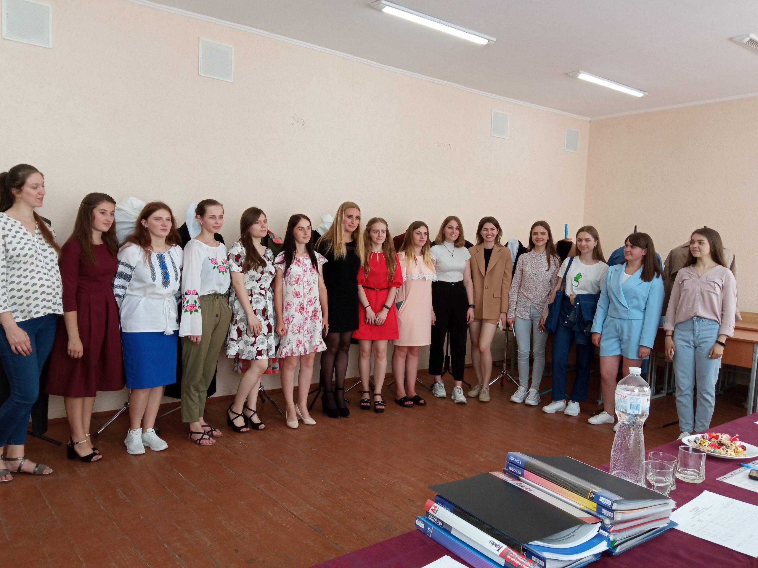 Захист дипломних робіт учнів кравецького профілю